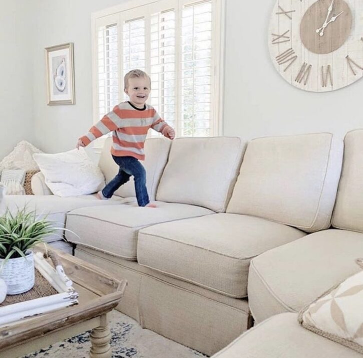 8 Ways to Elevate a Minimalist Living Room 6