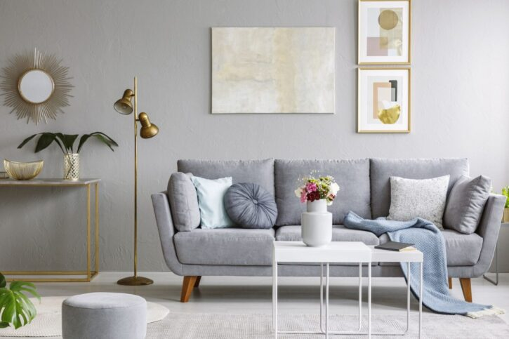 7 Best Flowers for Your Living Room Table - 2021 Guide 1